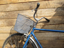 Gammal USSR-cykel Royaltyfria Bilder