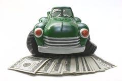gammal utgifterlastbil för pengar arkivbild