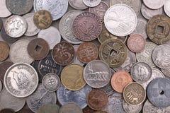 Gammal utländsk myntsamling royaltyfria foton