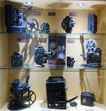 Gammal utrustning i museum av filmkonsthistoria Fotografering för Bildbyråer