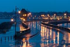 Gammal väderkvarn i den forntida staden av Nesebar i Bulgarien Ingången till den gamla staden BulgarBlack Sea kust royaltyfri fotografi