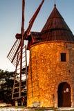 Gammal väderkvarn i Provence, Frankrike Royaltyfri Foto