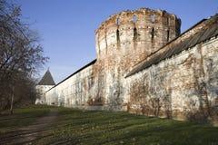 gammal vägg för fästning royaltyfria bilder