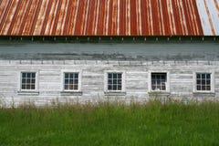 gammal vägg för ladugård Arkivfoton