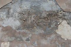 Gammal vägg i process av söndring Detaljerad stark textur arkivbilder