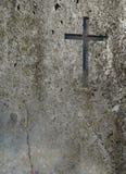 Gammal vägg med korset Fotografering för Bildbyråer