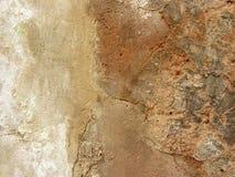 Gammal väggtextur, bakgrund Bruten murbrukvägg Arkivbilder