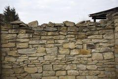 Gammal väggtextur för sten Gammalt vagga kvarter i gammal medeltida tegelsten Royaltyfri Fotografi