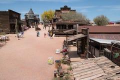Gammal västra bryta spökstad för guldfält fotografering för bildbyråer