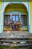 Gammal vagn på det historiska tyska museet av Valdivia, Chile royaltyfri foto