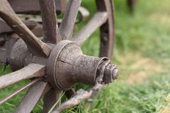 Gammal vagns hjul Arkivfoto