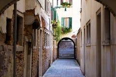 Gammal venetian gränd Fotografering för Bildbyråer