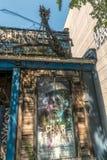 Gammal övergiven spökad husrestaurang Arkivfoton