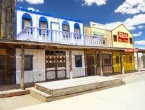 Gammal vilda västerndiversehandel, gammal amerikansk västra stad royaltyfri foto