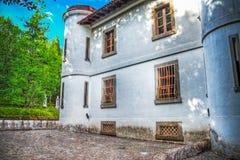 Gammal villa som byggs i sena 1800s Arkivbild