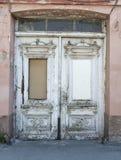 Gammal vit dörr Royaltyfria Bilder