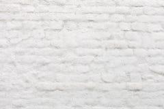 Gammal vit målad tegelstenvägg Arkivbilder