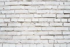 Gammal vit sprucken tegelstenv?gg, horisontaltom bakgrund, kopieringsutrymme royaltyfri foto
