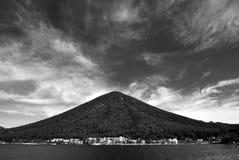gammal vulkan Royaltyfri Fotografi