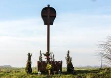 Gammal Waysiderelikskrin av en okänd konstnär i Brzezie nära Cracow Royaltyfri Fotografi