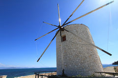 Gammal windmill av Corfu Royaltyfri Fotografi