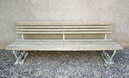 Gammal wood bänk arkivbild