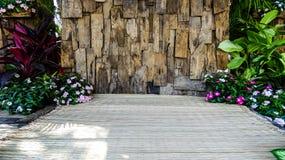 Gammal wood bakgrundslodlinje Arkivfoton