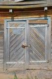 Gammal wood dörr Arkivbild