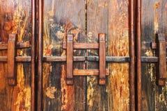 Gammal wood porttextur Arkivfoton