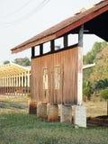 Gammal wood vägg royaltyfri fotografi