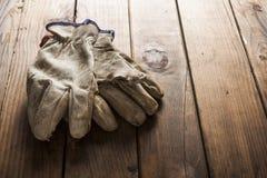 gammal working för handskar Fotografering för Bildbyråer