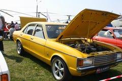 gammal yellow för bil royaltyfri bild