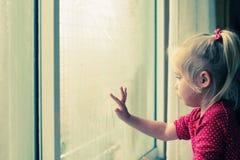4 gammala år för gullig flicka Royaltyfri Fotografi