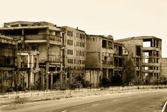 gammala övergivna byggnader Arkivbilder