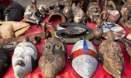 gammala afrikanska maskeringar Royaltyfri Foto