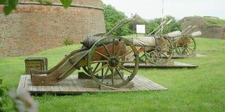 gammala artillerikanoner Fotografering för Bildbyråer