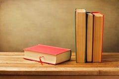 Gammala böcker för tappning Royaltyfria Bilder