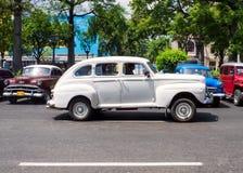 Gammala bilar i Havana Arkivbilder