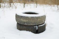 gammala däck för bil Royaltyfri Fotografi