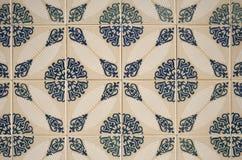 gammala dekorativa tegelplattor Arkivfoto