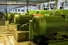 gammala elektriska motorer Arkivbild