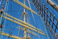 gammala för marin- mast för hempstege piratkopierar nautiska skytteln för shipen för reprephavet uppför trappan Arkivfoton