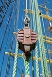 gammala för marin- mast för hempstege piratkopierar nautiska skytteln för shipen för reprephavet uppför trappan Arkivfoto