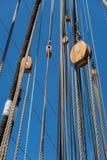 gammala för marin- mast för hempstege piratkopierar nautiska skytteln för shipen för reprephavet uppför trappan Royaltyfri Bild