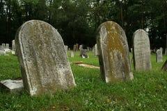 gammala gravestones Arkivfoton