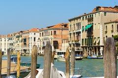 Gammala hus i Venedig Royaltyfria Foton