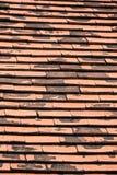 gammala röda taktegelplattor för tegelsten Royaltyfria Bilder