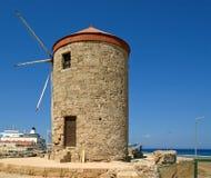 Gammala Rhodes windmills, Grekland Royaltyfri Bild