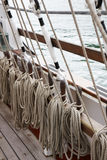 gammala riggingrep seglar shipen Royaltyfri Foto
