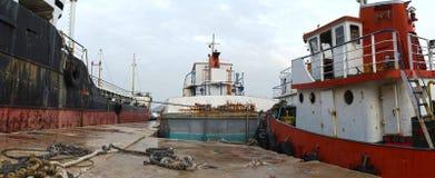 gammala rostiga ships Royaltyfri Bild